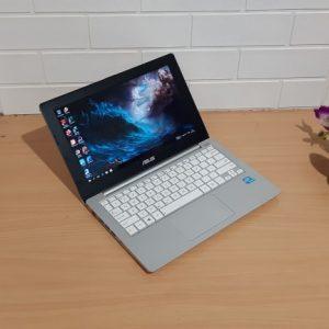 Asus X201e Intel 847 ram 4GB layar 11'6in slim putih mulus elegan normal siap pakai  (terjual)