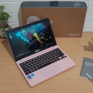 Asus E203MAH Intel Celeron N4000 hdd 500GB slim elegan layar 11.6-inch (terjual)
