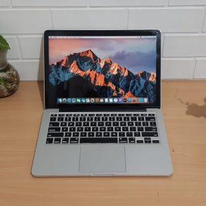Macbook Pro (Retina, 13-inch, Early 2015) Intel Core i5 ram 8GB DDR3 256 GB SSD, slim mewah elegan