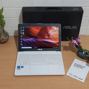 Asus E203NAH Intel Celeron N3350 slim putih mulus elegan layar 11.6-inch